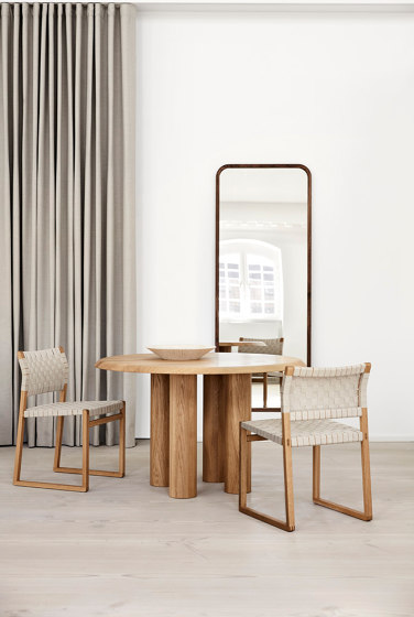 Silhouette Mirror by Fredericia Furniture
