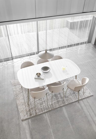 Kingston Table by BoConcept