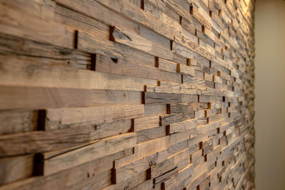 A priori | Wall Panel by Wooden Wall Design
