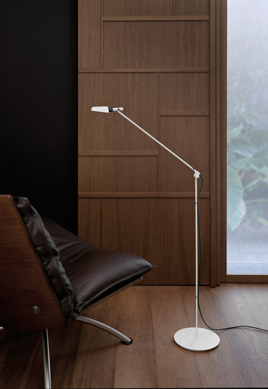Tema | Floor lamp by Carpyen