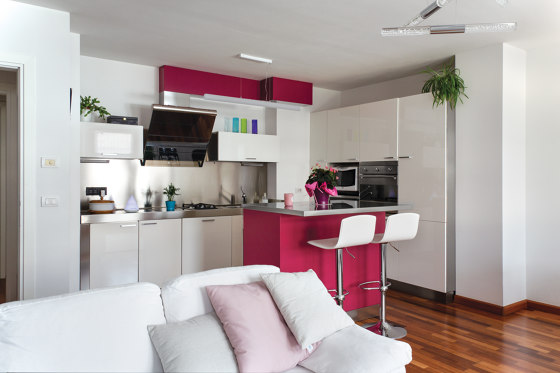 Domestic / kitchens and islands | Pantry tall cabinet by AGMA
