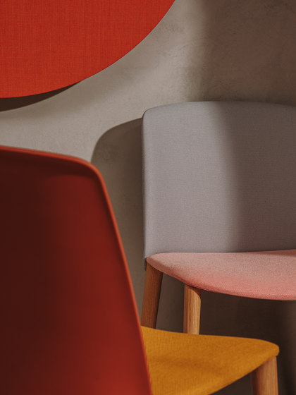 Mixu | Bar stool 4 legs stackable, upholstered by Arper