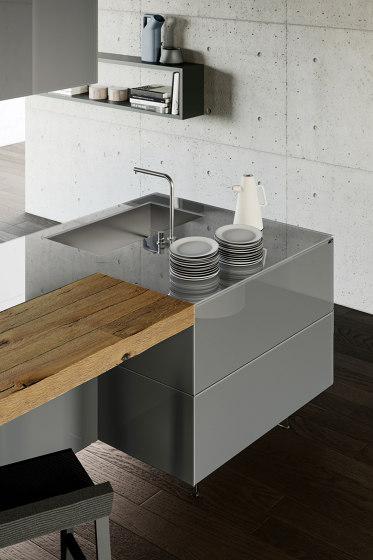 36e8 Glass Kitchen by LAGO