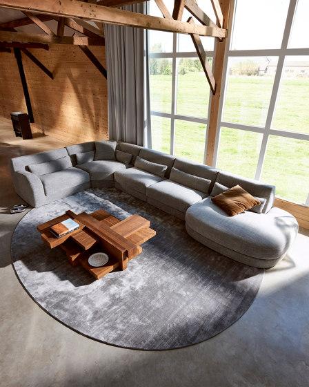 Bold Sofa by Linteloo