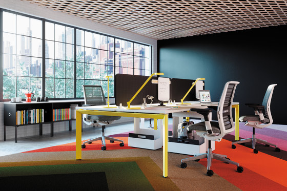 FrameOne Desk di Steelcase