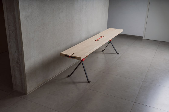 Kampenwand Table de Nils Holger Moormann