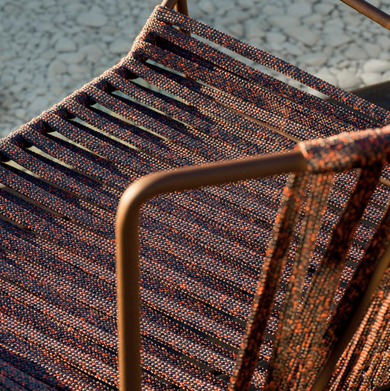 Out_Line Hand-woven footstool by Expormim