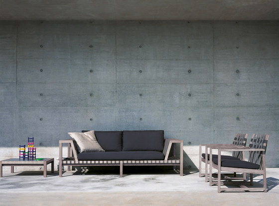 NETWORK 228 coffee table by Roda