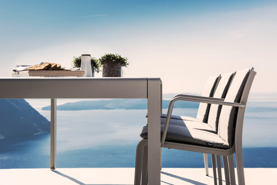 Mirthe Party table von Tribù