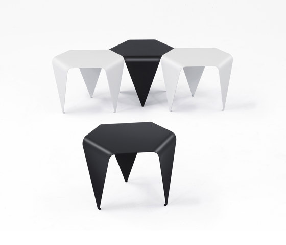 Bee side table | H 145 by Hans Hansen & The Hansen Family
