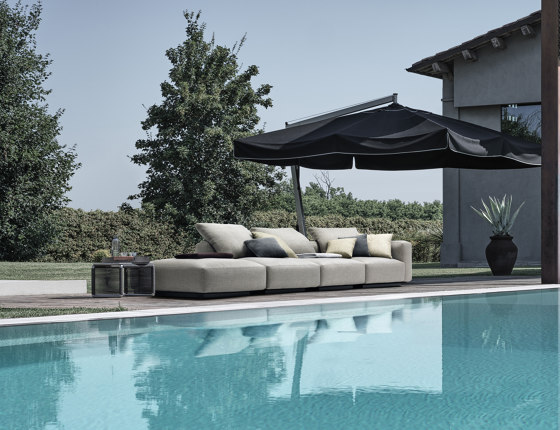 Grandemare Dormeuse by Flexform