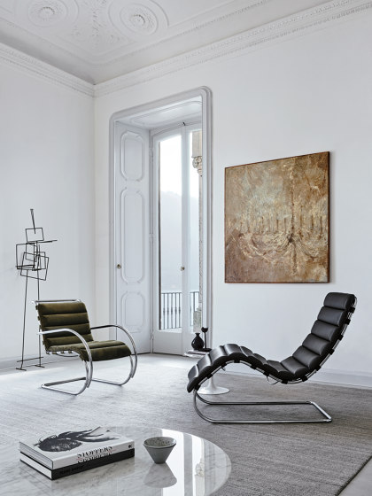 MR Lounge Chaise Longue de Knoll International