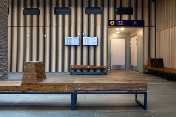 Porto bench by Vestre