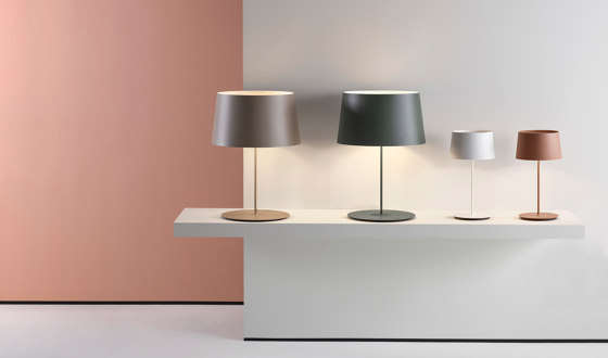 Warm 4900 Table lamp by Vibia