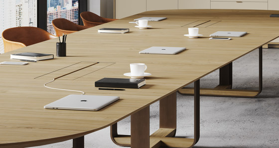 piedmont pedestal table von Skram
