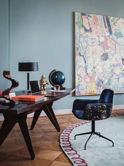 Leya   Armchair High mit Holz mit Kreuzzarge von FREIFRAU MANUFAKTUR