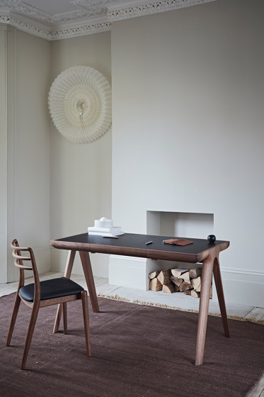 Maya Desk de Dare Studio
