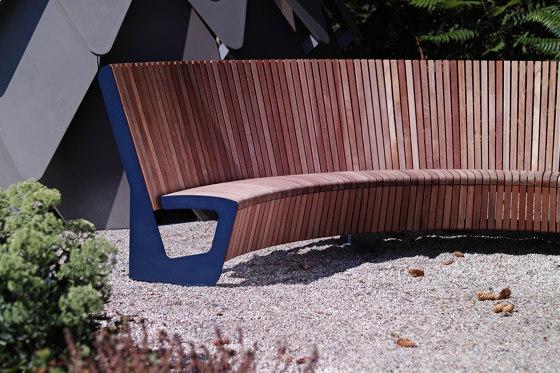 landscape | Park bench with high backrest by mmcité
