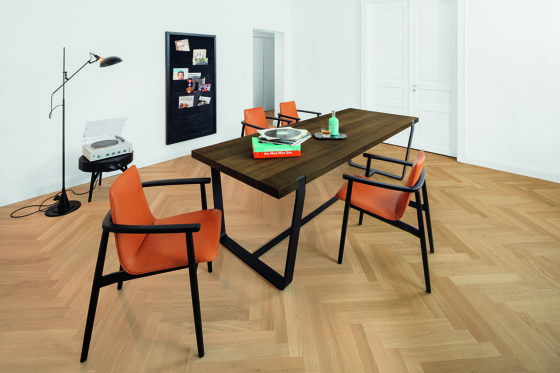 BB 11 Clamp Table by Janua