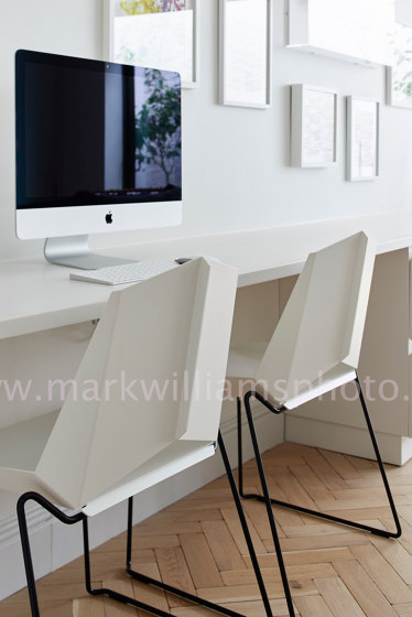 Kite Chair Skidframe di OXIT design