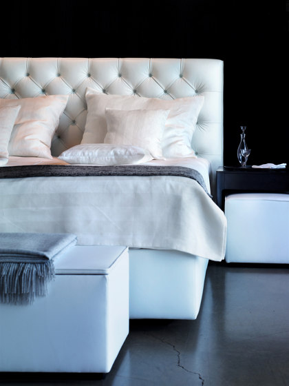 Joyce Cushion Bed di Wittmann