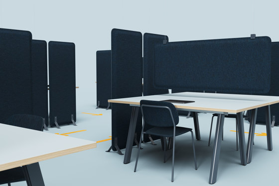 AK 3 Standing Room Divider by De Vorm