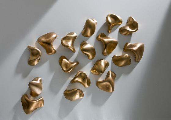 Sesel   Hangers by Laurameroni