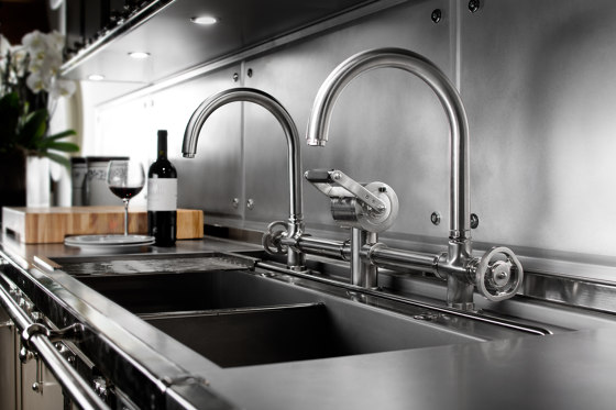 TAPS | MIXER TAP WITH CURVED GOOSENECK SPOUT by Officine Gullo