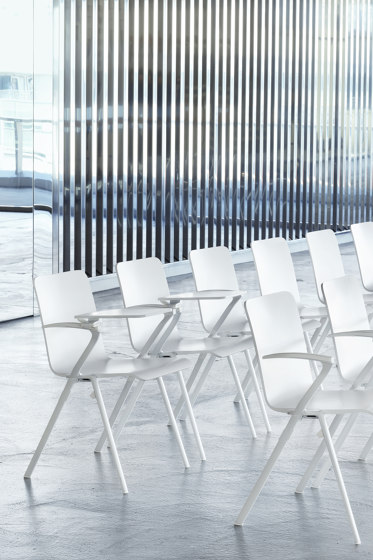 Men-Collection | Nomen Chair de Dietiker