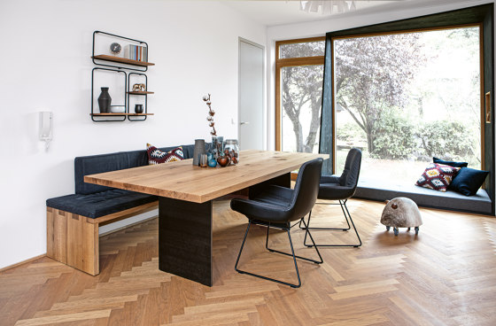 SC 41 Table by Janua