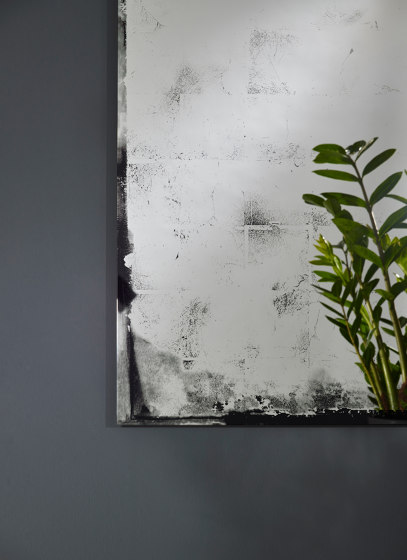Antique L by Deknudt Mirrors