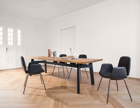 BB 31 Connect Table by Janua