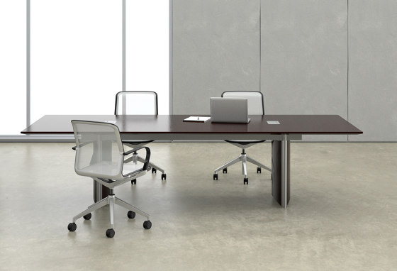 Saber Conference Tables di Nucraft
