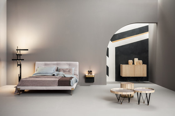 VIKTOR Bed by Baxter
