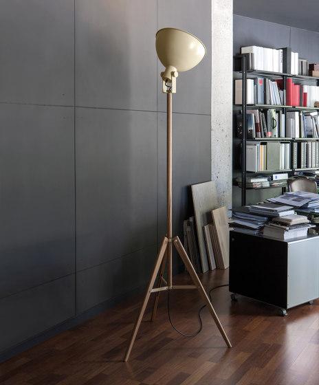Tripod | Floor lamp di Carpyen