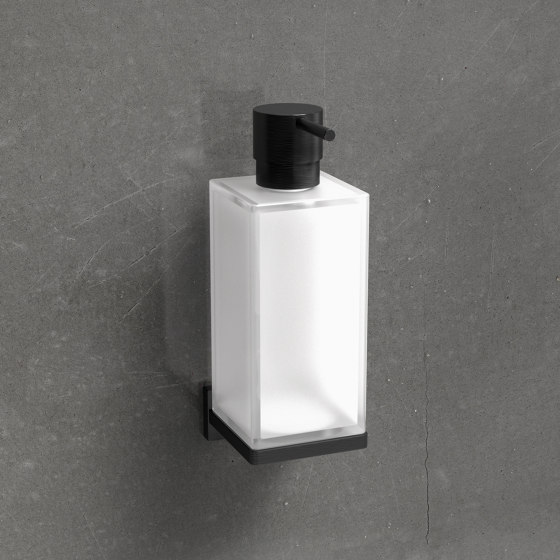 Chrome plated brass standing soap dispense de COLOMBO DESIGN