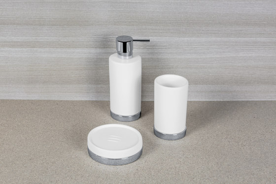 Standing soap dispender by COLOMBO DESIGN