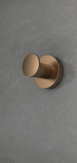 Standing coloumn by COLOMBO DESIGN