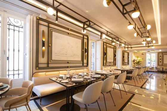 Praga Dinner Table von Mambo Unlimited Ideas