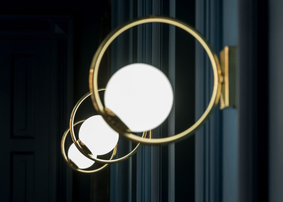 Loop Suspension Lamp de Mambo Unlimited Ideas