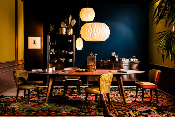 Santiago dining table by black tie