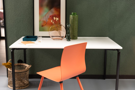 Fiore seminar swivel chair with writing tablet by Dauphin