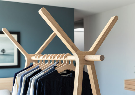 hood+ clothes rack by TEAM 7