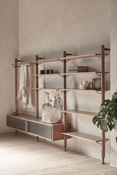 Theo Wall Unit Clothing Rail von District Eight