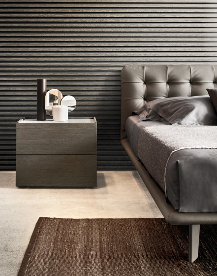 Filo platform bed by Pianca