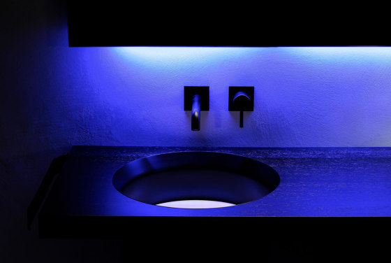 Abisso Countertop low profile washbasin by Atelier12