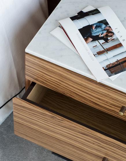 Fiennes Bedside Table de Ivar London