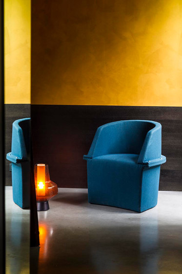 Assembly Small hollow armchair de Diesel with Moroso