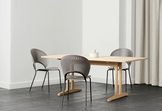 The Shaker Table by Fredericia Furniture