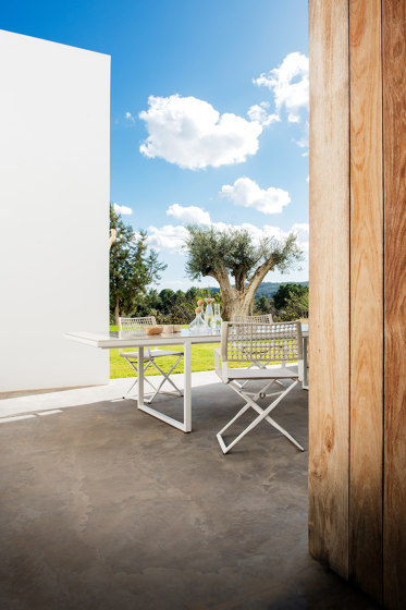 Nox Dining Table - 350 cm - Linen frame, Ocean glazed lava stone de Tribù